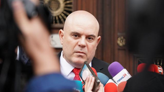 Гешев поиска отстраняването от длъжност на прокурора, хулиганствал в Плевен