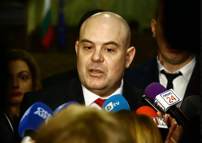 """Иван Гешев очаква извинение от АКФ за """"изчезналото"""" злато на Златанов"""