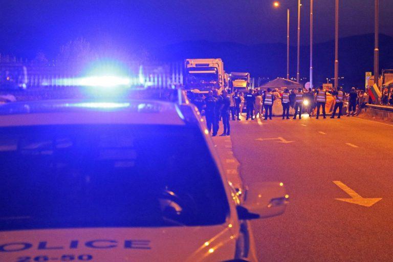 """Протестиращи блокираха АМ """"Марица"""" при пътния възел за село Капитан Андреево (СНИМКИ)"""