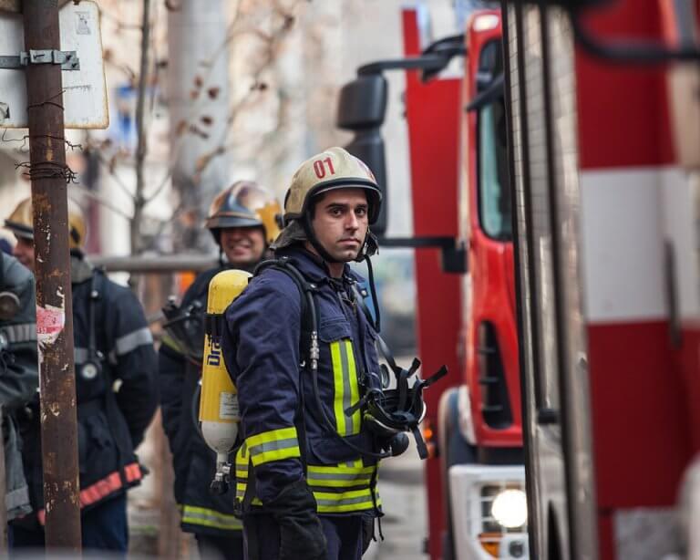 Мъж загина при пожар в дома си в Странджа