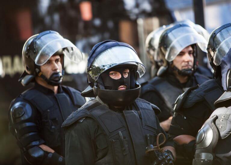 Протест или полицейско насилие в заведенията в Благоевград (ВИДЕО)