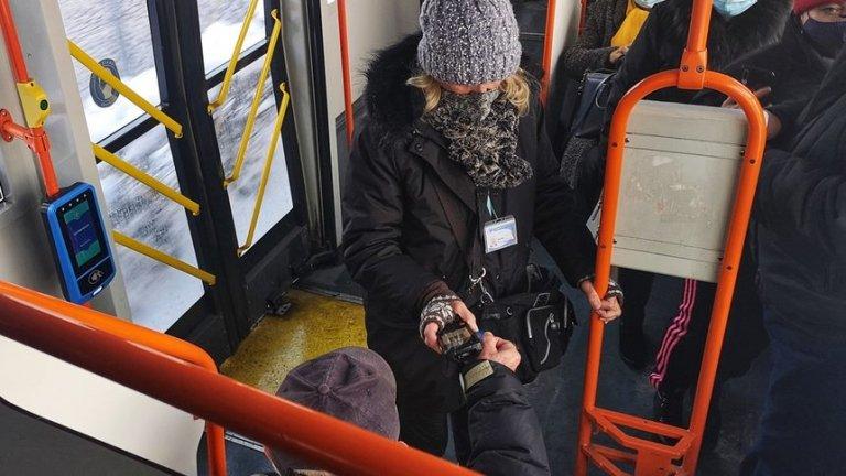 В градския транспорт на София вече и с електронна карта за еднократно пътуване (СНИМКИ)