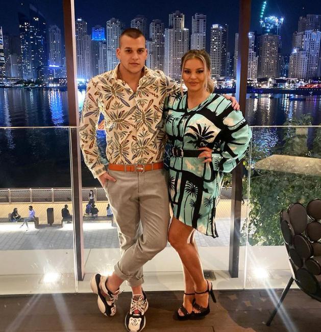 Десислава със сина си в Дубай