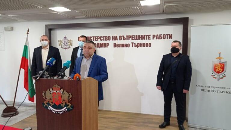Нападатели с качулки обраха пенсионерка в Търново (ВИДЕО)