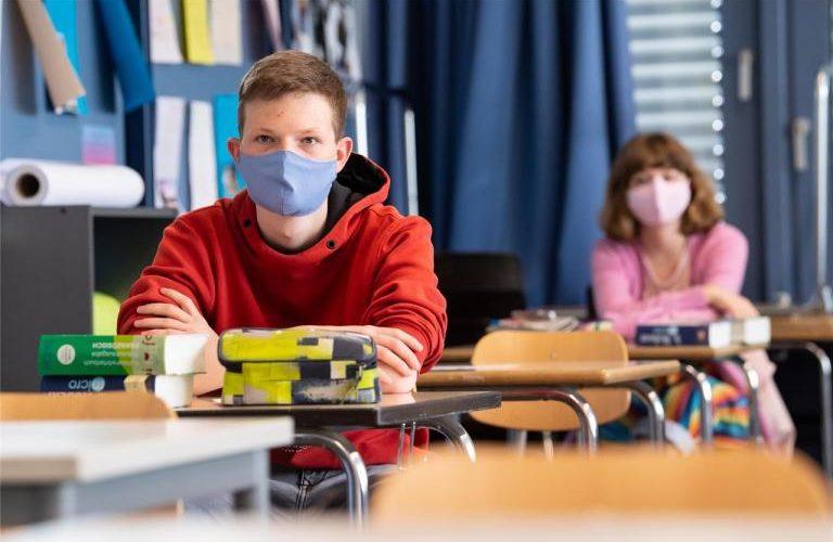 111 хил. ученици от VII и X клас се явяват на национално външно оценяване