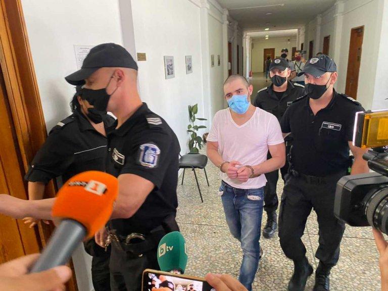 Психично болен и наркозависим е нападателят с нож от Бургас