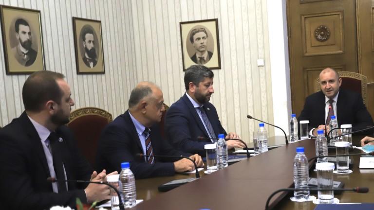 """И """"Демократична България"""" протегнаха ръка за кабинет, но не на всяка цена"""