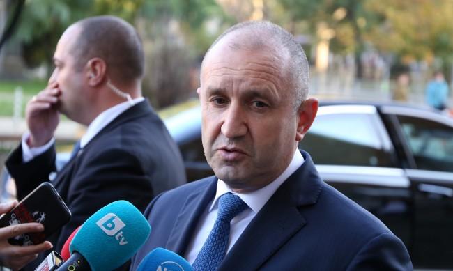 Призивите за оставка на Кацаров са предизборни, сигурен Радев