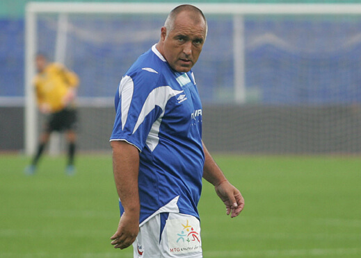 Бойко Борисов се развихри на футболния терен