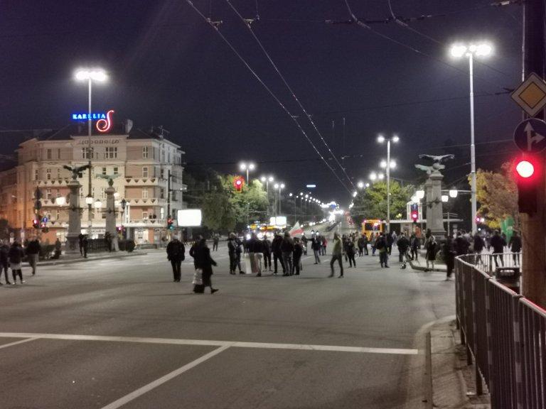 """Протестиращи срещу зеления сертификат блокираха """"Орлов мост"""" (СНИМКИ)"""